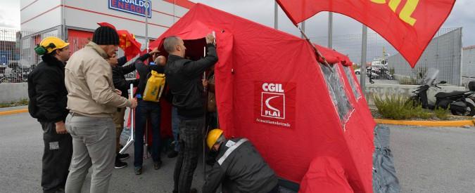 """Ilva, gli operai di Genova occupano lo stabilimento: """"I cittadini ci aiutino a difendere l'accordo"""""""