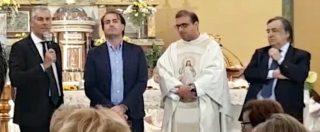 """Sicilia, Micari parla in Chiesa microfonato dal parroco. Orlando: """"Polemiche? Solo una comunicazione"""""""