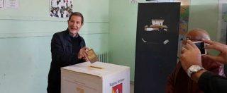 """Elezioni Sicilia, Musumeci arriva al seggio: """"Che Dio ci aiuti"""""""