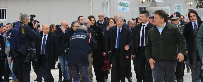"""Terremoto Centro Italia, sindaci contro il governo: """"Le casette non arriveranno neanche per Natale"""""""
