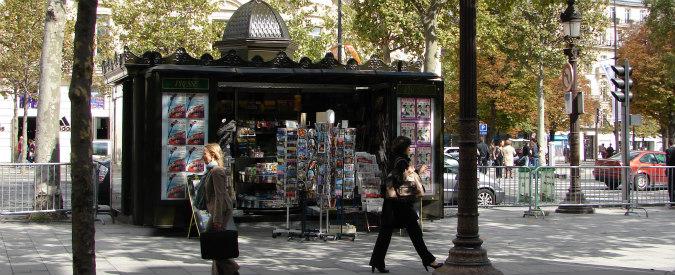 Parigi, edicole chiuse per sciopero. Chi si è mai chiesto come vive un giornalaio?