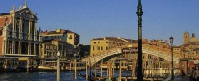 Venezia, pranzo a base di ostriche e astice, il conto è di 526 euro. Turista scrive lettera al sindaco