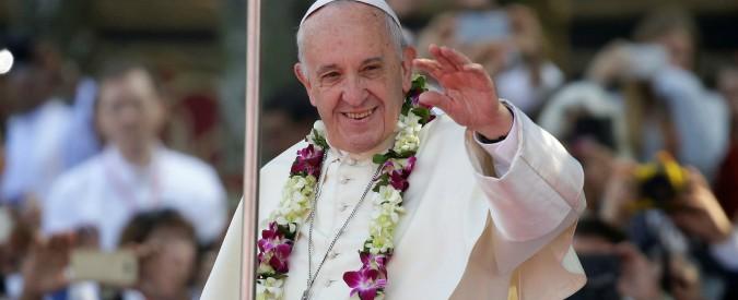 """Papa Francesco in Bangladesh incontra i Rohingya: """"Vi chiedo perdono per l'indifferenza del mondo"""""""