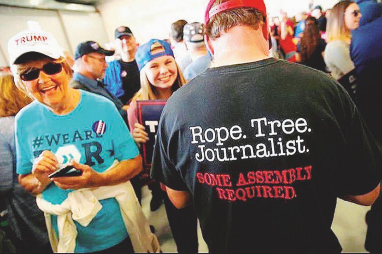 Giornalisti: impiccali più in alto