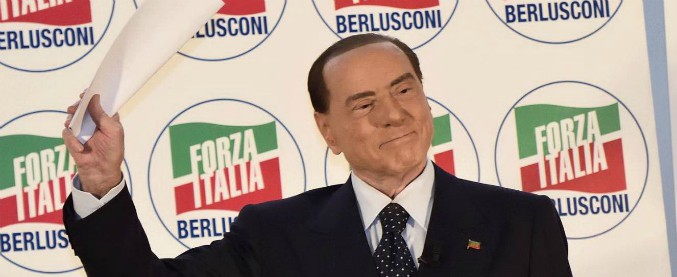 """Centrodestra, l'Ue """"assolve"""" Berlusconi: """"Con la Lega o no, sarà lui il perno"""". E lui promette: """"Faremo governo europeista"""""""
