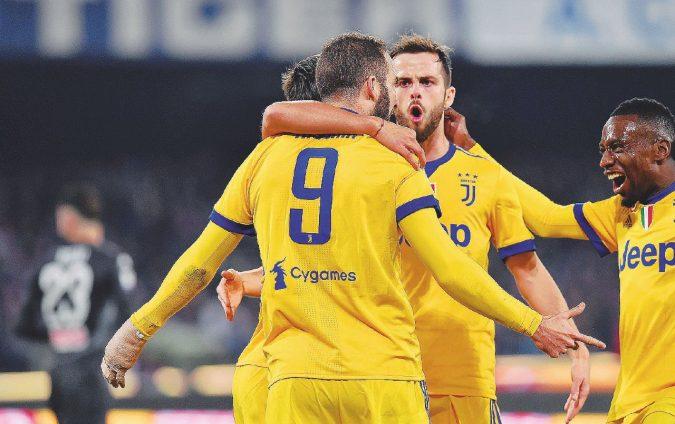 """Una sola """"pepita"""" di Higuain e la Juve si prende il Napoli"""