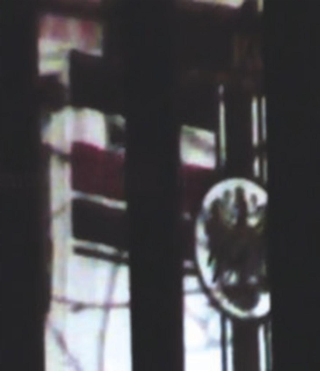 Firenze, bandiera del Reich nella caserma dei carabinieri. C'è anche una foto di Salvini