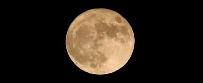 Superluna nella notte del 3 dicembre: è l'unica visibile del 2017. Appare più grande del 7%