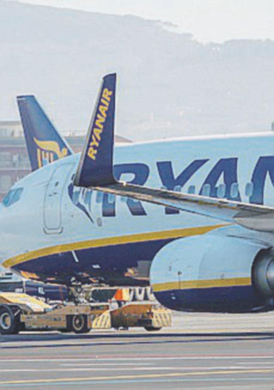 """Antitrust contro RyanAir: """"Non informa i passeggeri"""""""