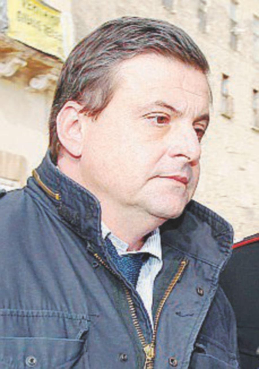 Ilva, Calenda si sveglia e convoca il sindaco di Taranto Melucci