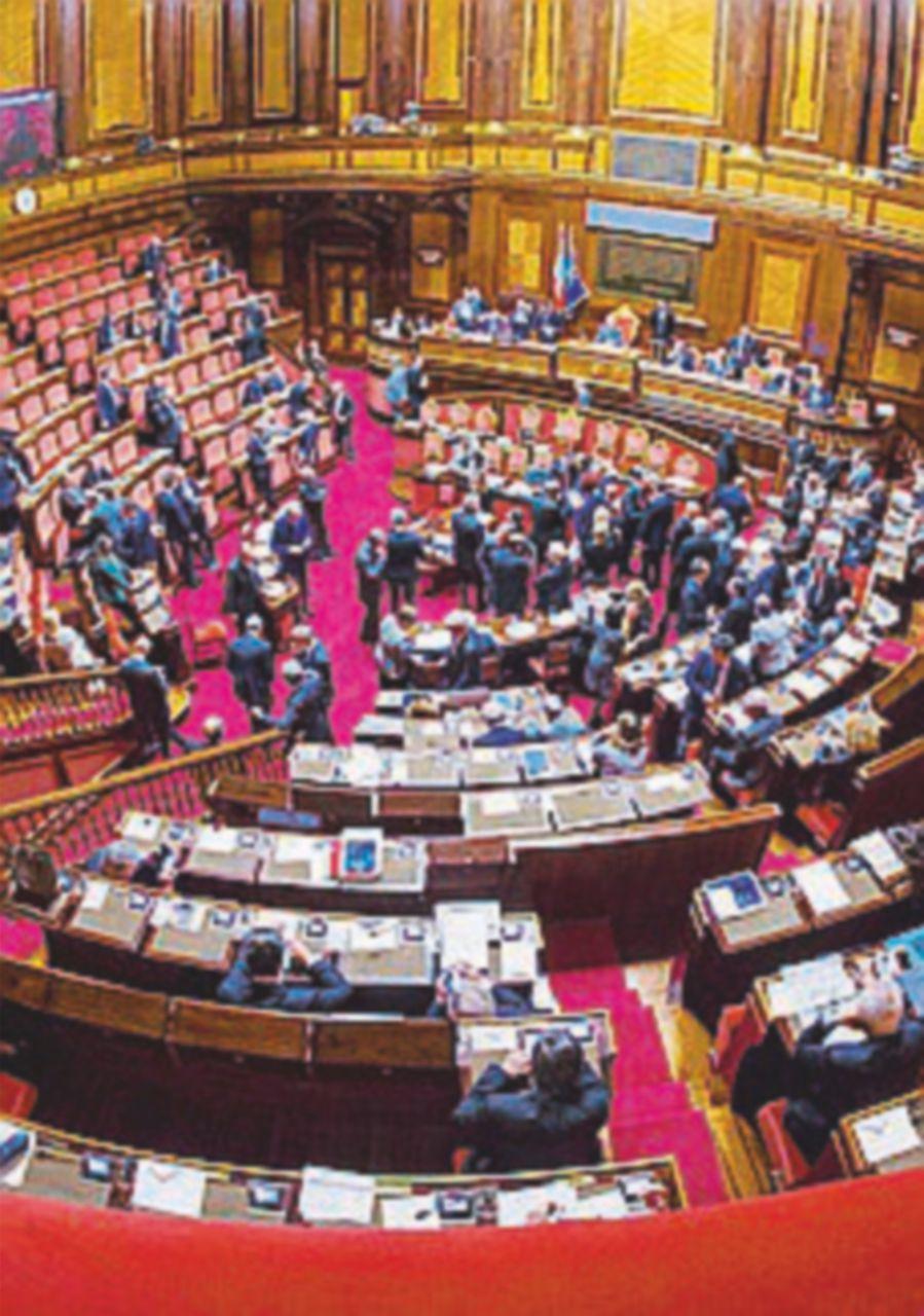 Regolamento, si vota: via i cambi di casacca e l'ostruzionismo