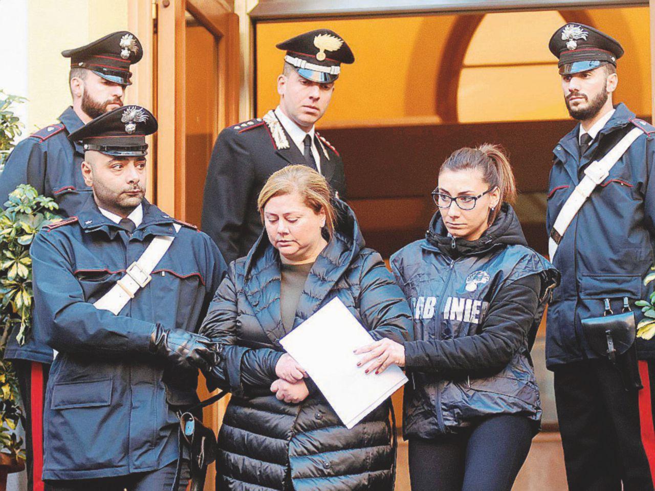 La mafia è donna: dagli omicidi alle cialde di caffè