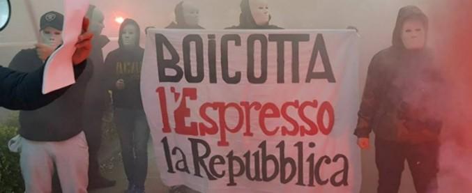 """Forza Nuova, blitz fascista sotto la sede di Repubblica: """"È una dichiarazione di guerra"""". La solidarietà del Fatto"""