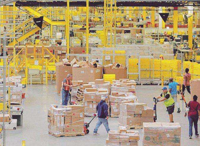Agcom: Amazon fa servizio postale. Dovrà adeguare i contratti di lavoro