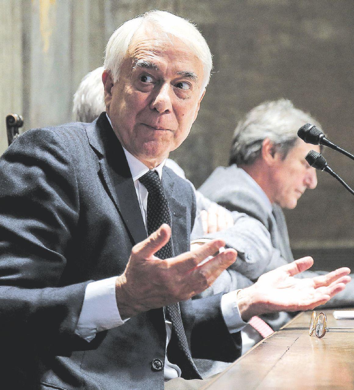 """Implode il partito di Pisapia: """"Impossibile allearsi col Pd"""""""