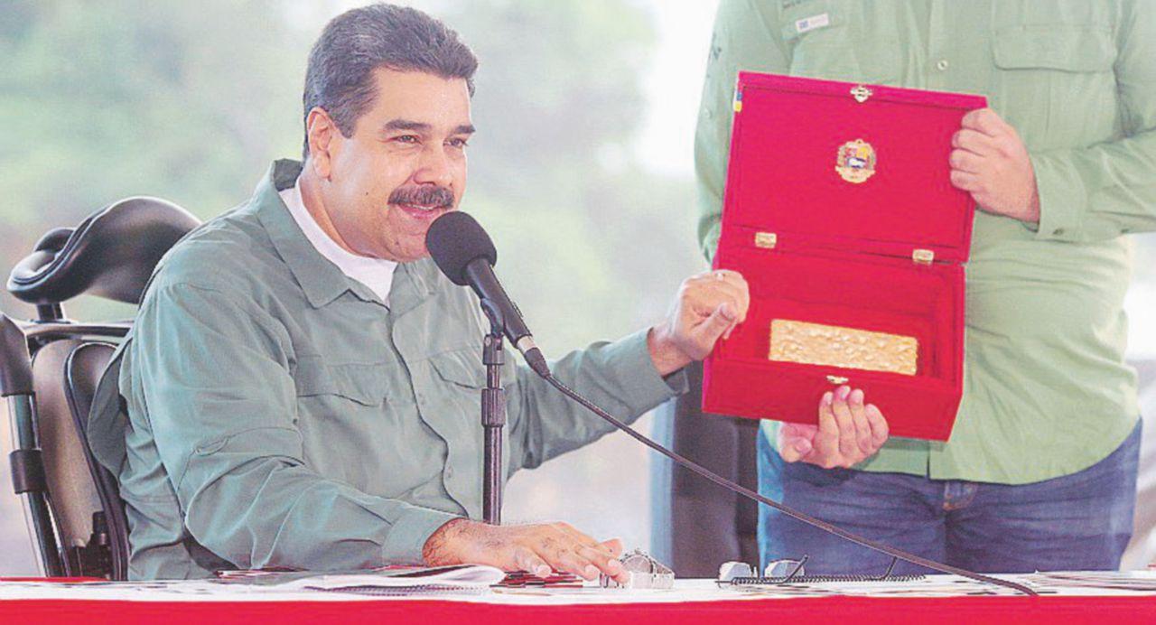 """Maduro annega e chiede aiuto a """"Petro"""""""