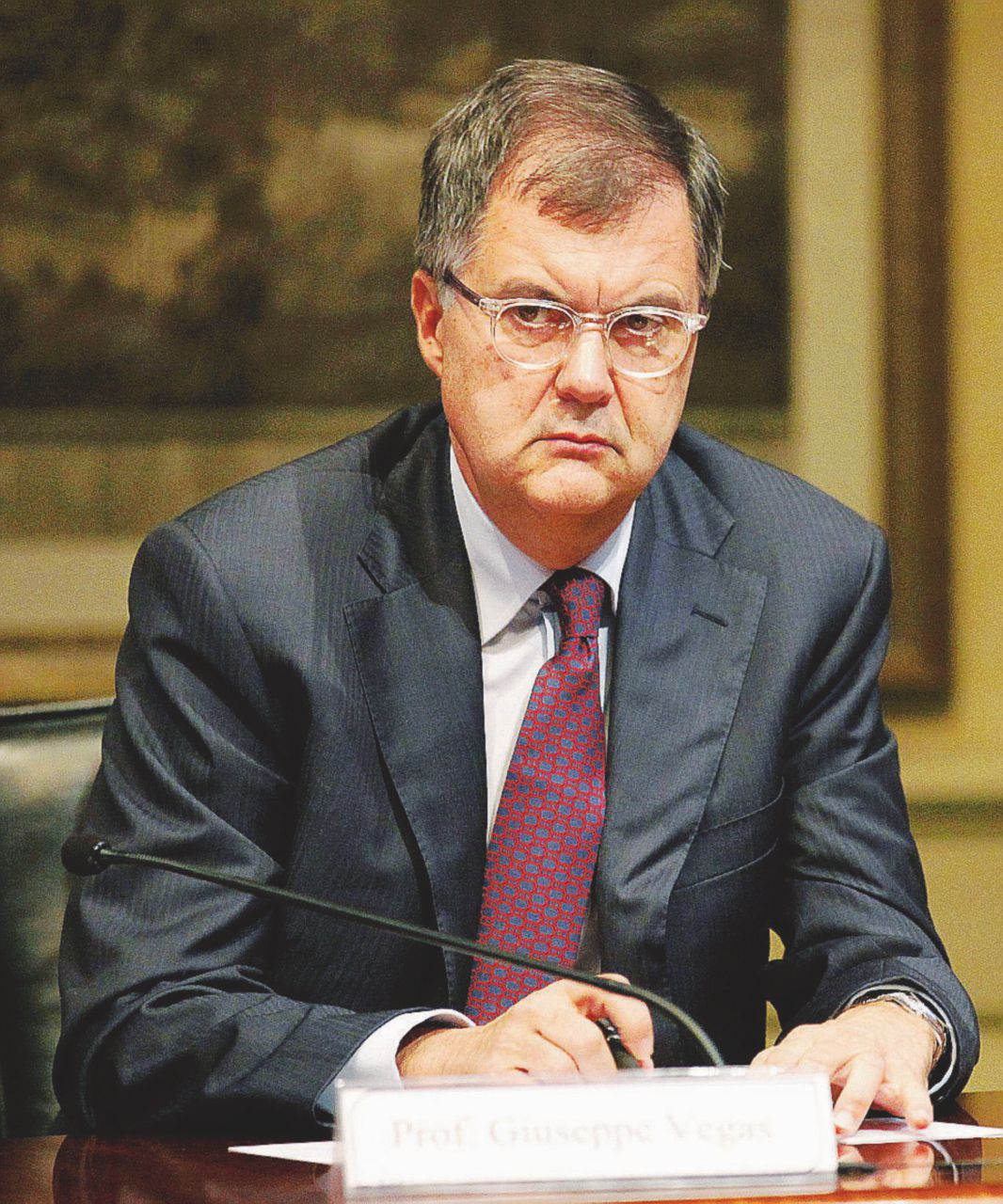 La mossa di Renzi per controllare Consob per un po'