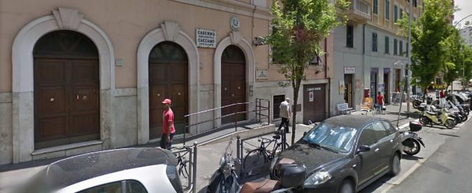 Roma, ordigno esplode davanti a stazione carabinieri: nessun ferito. Rivendicano gli anarchici della Fai