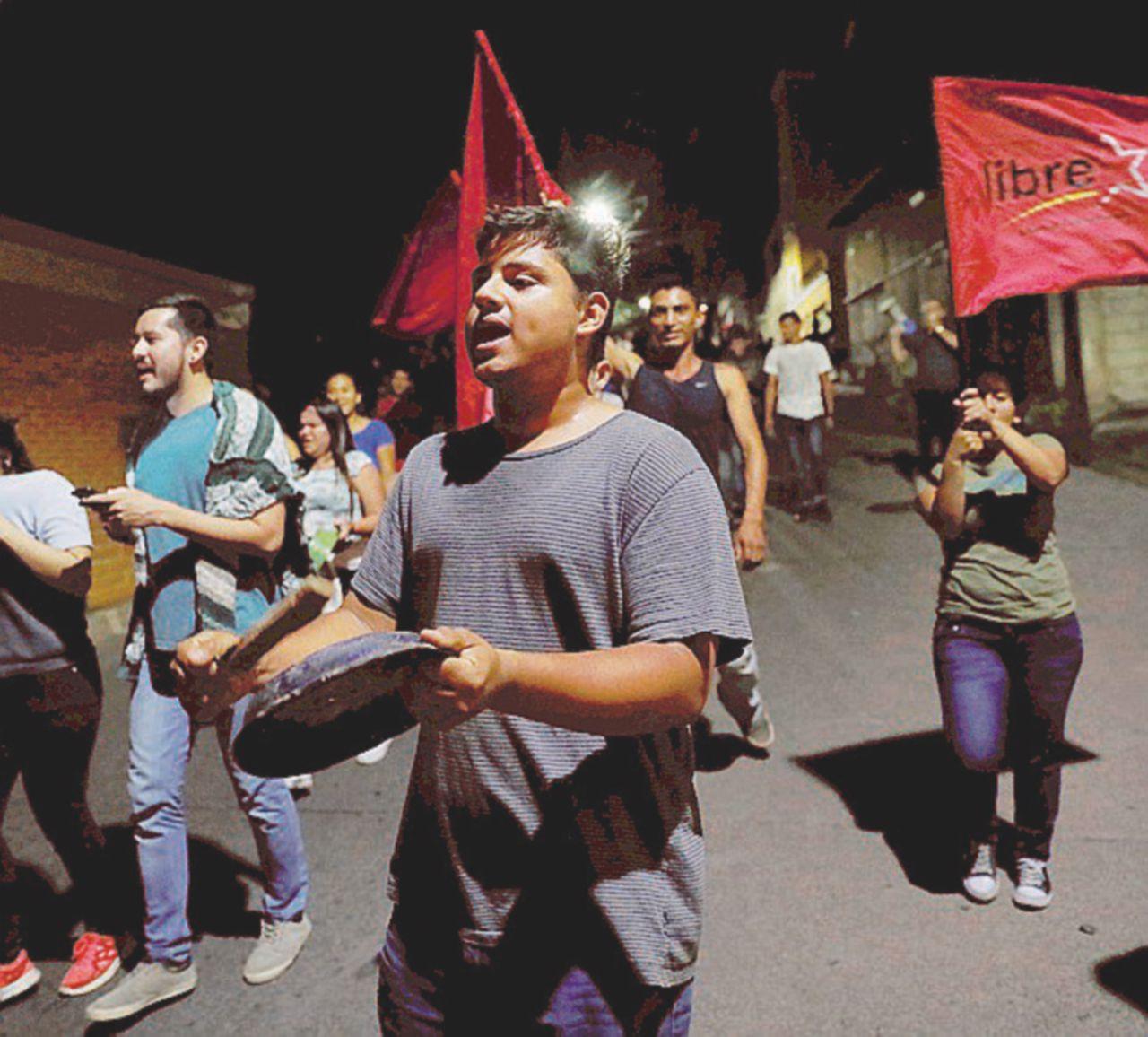 """Morire sulle barricate contro il """"golpe elettorale"""""""