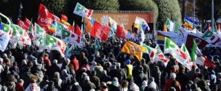 """Como, marcia Pd dopo blitz skinheads. Boldrini: """"Fronte comune"""". Ma Salvini: """"Vogliono immigrazione fuori controllo"""""""