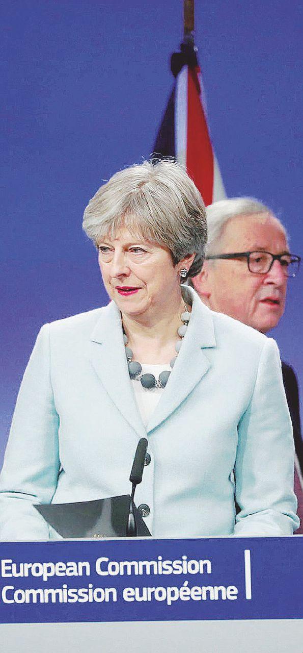 May, un accordo a ostacoli per non finire nelle grinfie Ue