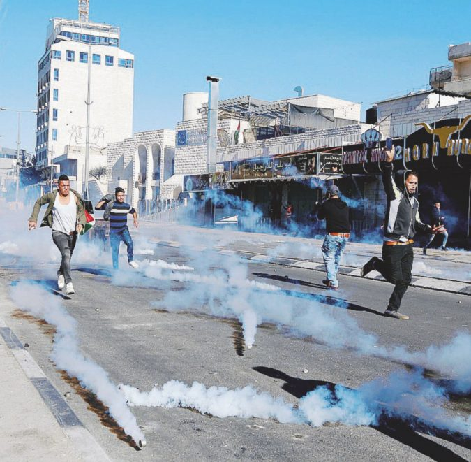 Il Natale a Betlemme a colpi di lacrimogeni