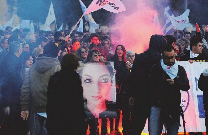 """Corteo antigasdotto nella """"zona rossa"""": finiscono in questura in 53, anche minori"""
