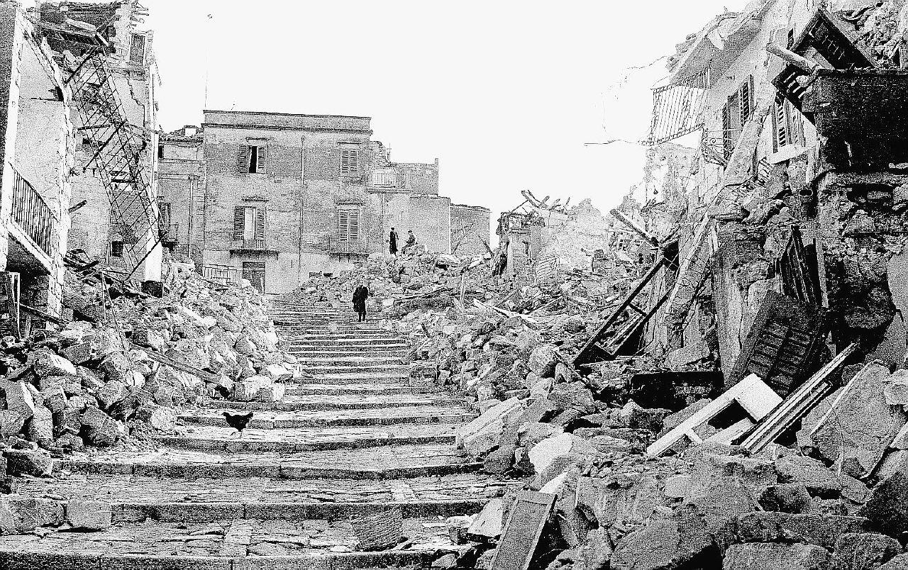 50 anni dopo il terremoto l'amianto uccide ancora