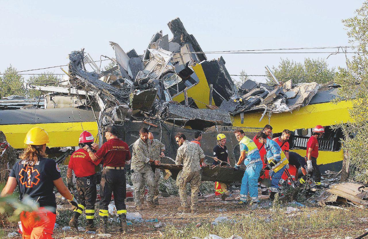 """""""Milioni di utili e risparmi sulla sicurezza: così sono morti i 23 sul treno pugliese"""""""