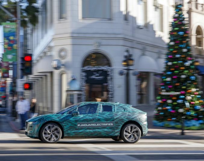 Jaguar I-Pace, la scossa del Giaguaro sulle strade della California – FOTO