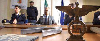 Varese, Digos perquisisce militanti di estrema destra. Sequestrate asce, pugnali e simboli nazisti: indagato il presidente
