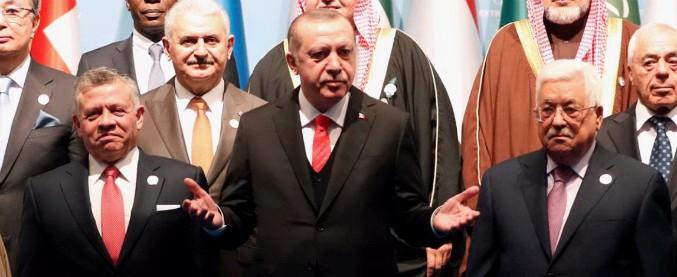 """""""Gerusalemme è capitale della Palestina"""". Paesi islamici replicano a mossa di Trump E Abu Mazen denuncia gli accordi di Oslo"""