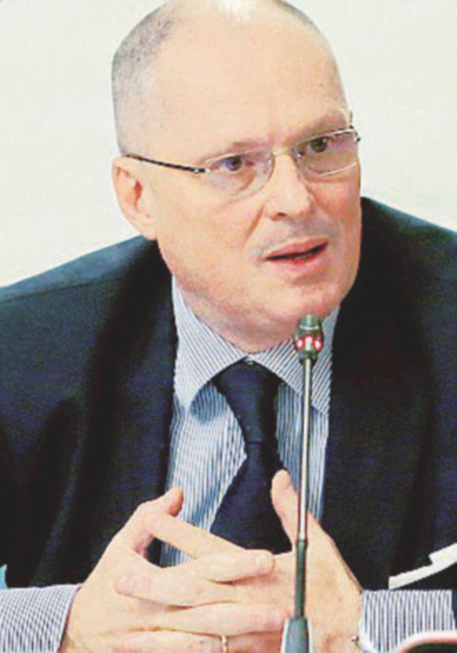 Consulenze, due interrogazioni sul caso Ricciardi