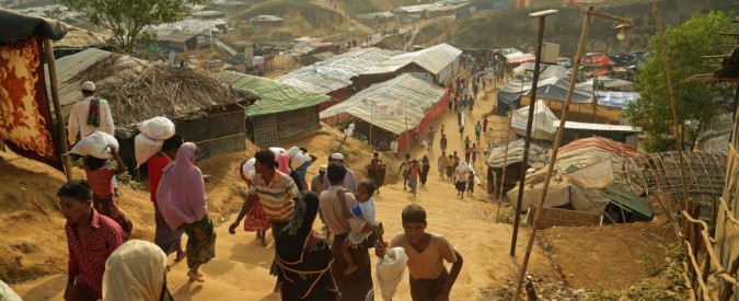 """Myanmar, per la prima volta l'esercito ammette il massacro di 10 Rohingya. Unicef: """"60mila bambini dimenticati"""""""