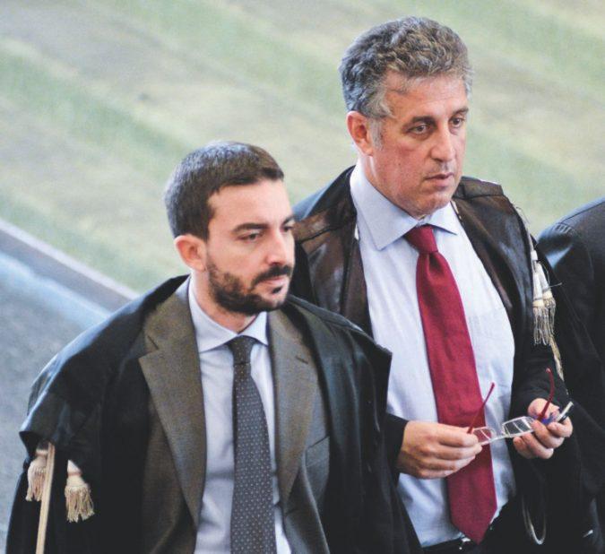 """Trattativa, i pm: """"Dell'Utri e Mori mediatori con i boss"""""""