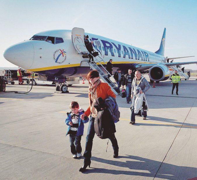 Per evitare la figuraccia Ryanair apre ai sindacati