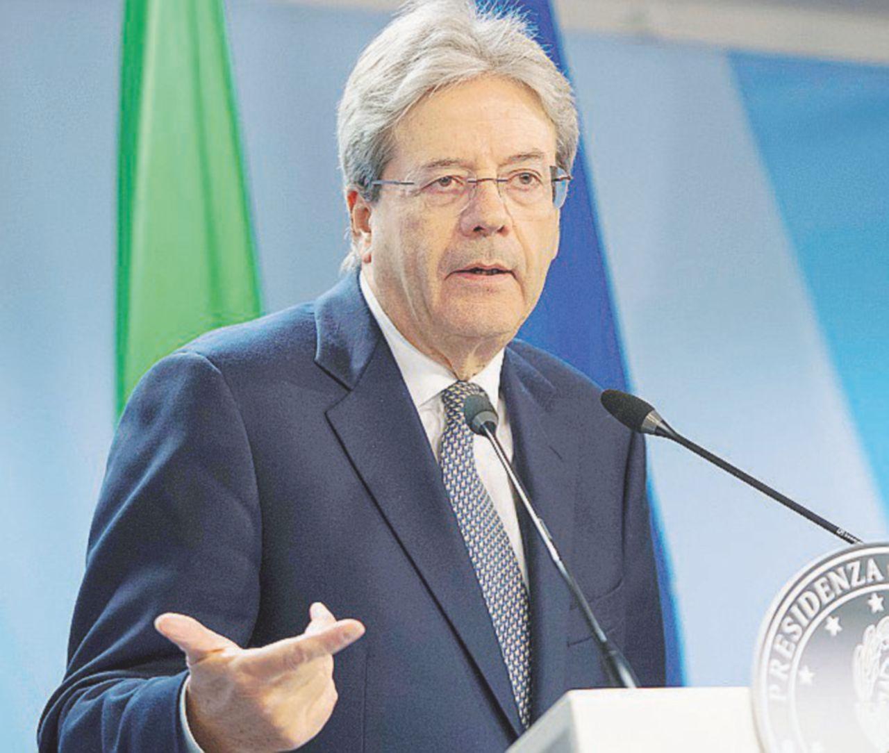 Non solo Renzi, il governo salva il soldato Boschi