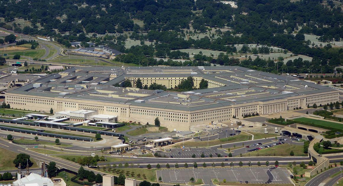 """Ufo, media: """"Il Pentagono ammette l'esistenza di un programma di indagine"""""""