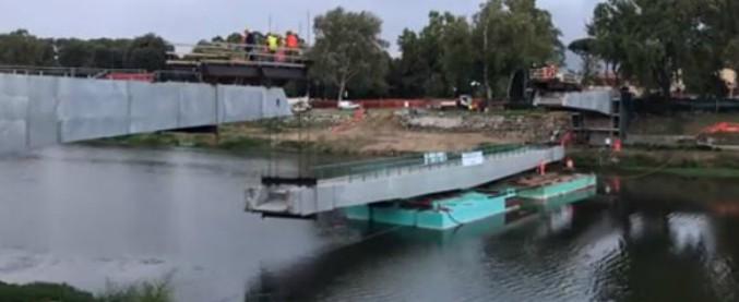 """Firenze, ponte sull'Arno da 600mila euro ma i lavori sono fermi. L'opposizione: """"Ritardi inaccettabili, Nardella spieghi"""""""