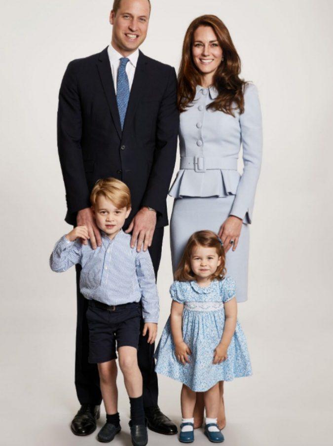 Foto Di Natale Famiglia.William E Kate Con I Piccoli George E Charlotte Ecco La
