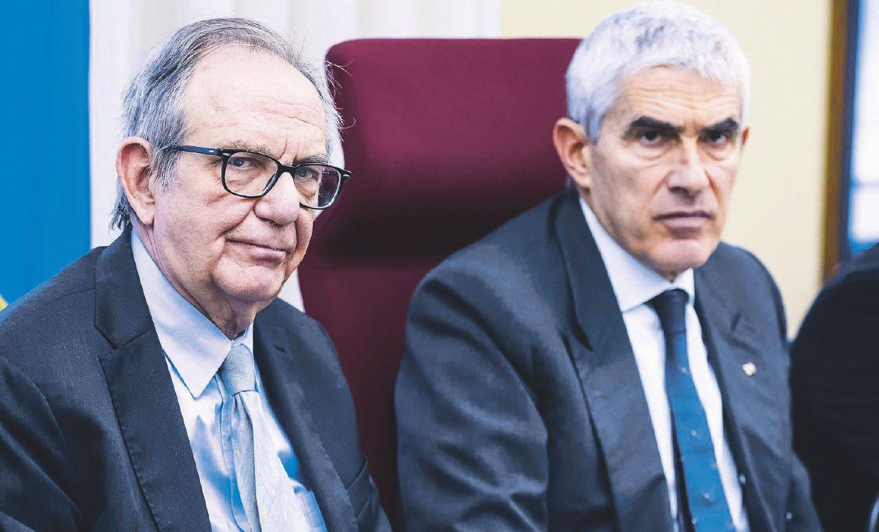 """Anche Padoan scarica Boschi: """"Mai saputo di incontri sulle banche"""""""