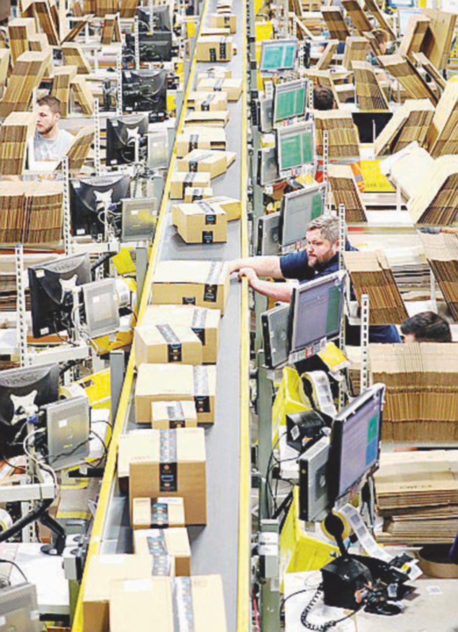 Arriva pacco di Natale: Amazon diserta l'incontro con i sindacati