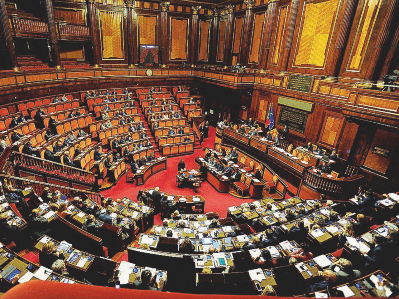 Il Senato lo riforma Grasso: iter rapidi e stop transfughi