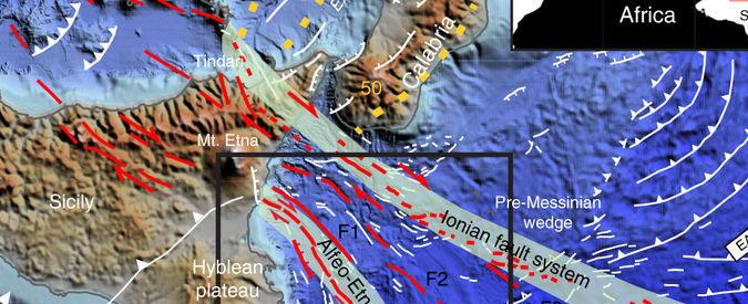 """Terremoti, una """"finestra"""" sotto il mar Ionio spiega l'allontanamento della Sicilia dalla Calabria"""
