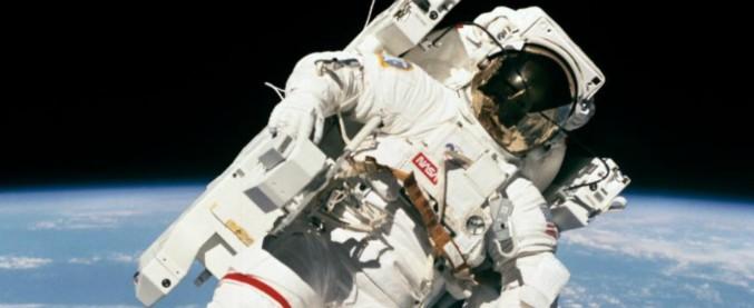 """Apollo 11, morto l'astronauta Bruce McCandless. Nasa: """"E' stato il primo uomo a fluttuare nello spazio"""""""