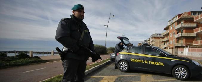 Migranti, portavano giovani nigeriane in Italia per farle prostituire: 4 persone arrestate per tratta di esseri umani