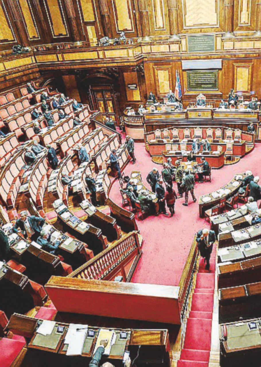 Signori, la legislatura chiude: tanti saluti a vitalizi e Ius soli