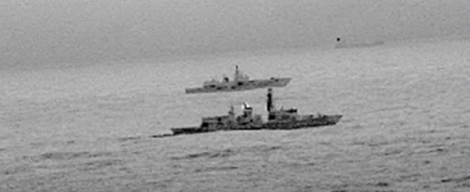 """Regno Unito, nave da guerra russa in """"zona di interesse nazionale"""": interviene la Marina britannica"""