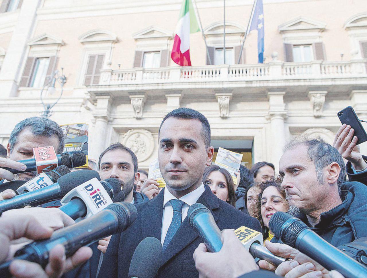 Il piano di Di Maio: trovare ministri graditi al Quirinale