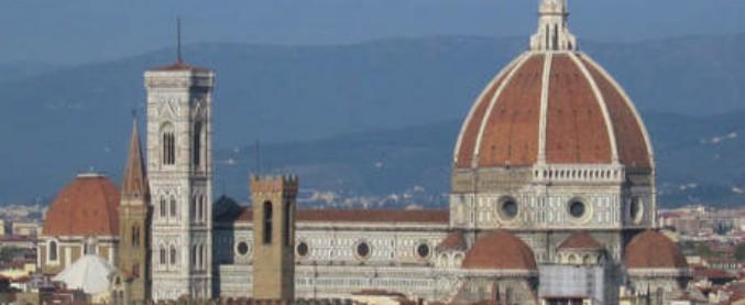 """Firenze, scontro M5s-Pd sulle buche stradali: """"Manca manutenzione ordinaria, i problemi non sono solo a Roma"""""""